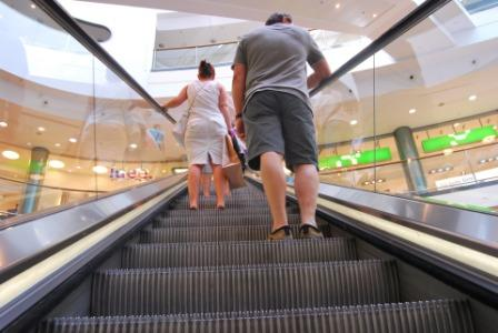 10KeyThings-escalator How to make pregnant professionals less cranky