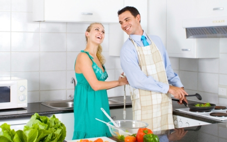 10KeyThings-helping-hand How to be the man your wife deserves