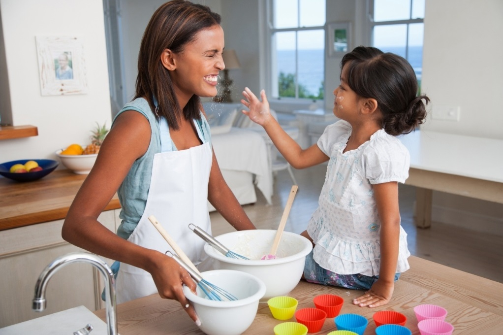 10KeyThings-Kids-in-process-of-cooking How to encourage kids for healthy eating?
