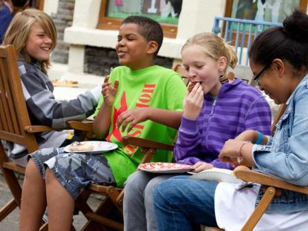 10KeyThings-Organise-a-get-together How to encourage kids for healthy eating?