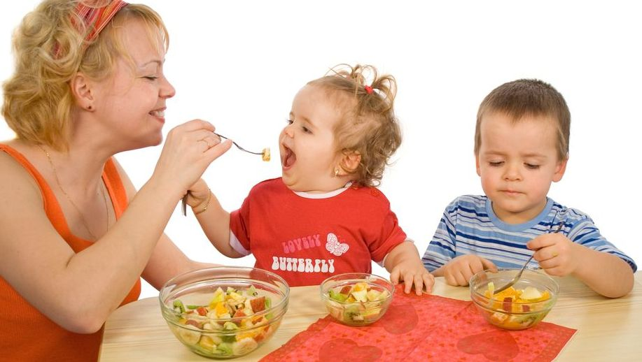 10KeyThings-educate-kids-about-healthy-eating How to encourage kids for healthy eating?