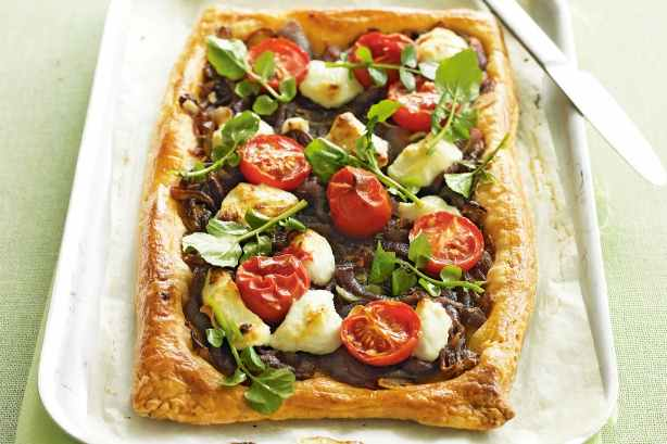 10KeyThings-Red-onion-goat-cheese-and-potato-pizza Quick Vegan foods