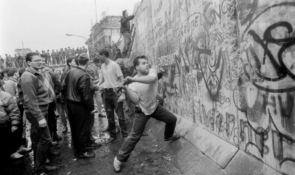10KeyThings-Fall-of-Berlin-wall-1024x606 10 Protests that you have probably never heard about