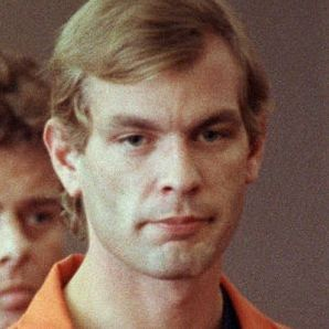 10KeyThings-Jeffery-Dahmer Serial killers from the last century that'll give you the chills