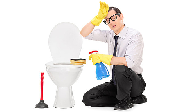 10KeyThings-man-cleaning-toilet My wife is pregnant, now What? These 10 Tips cant be ignored!!!