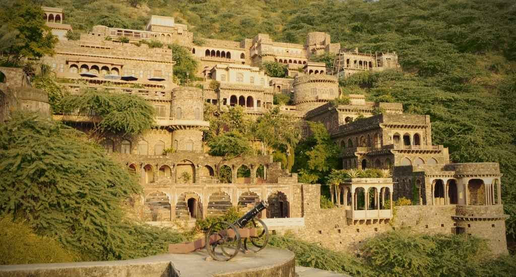 10KeyThings-Bhangarh-Fort-Rajasthan-India 10 Haunted places you don't want to tresspass on