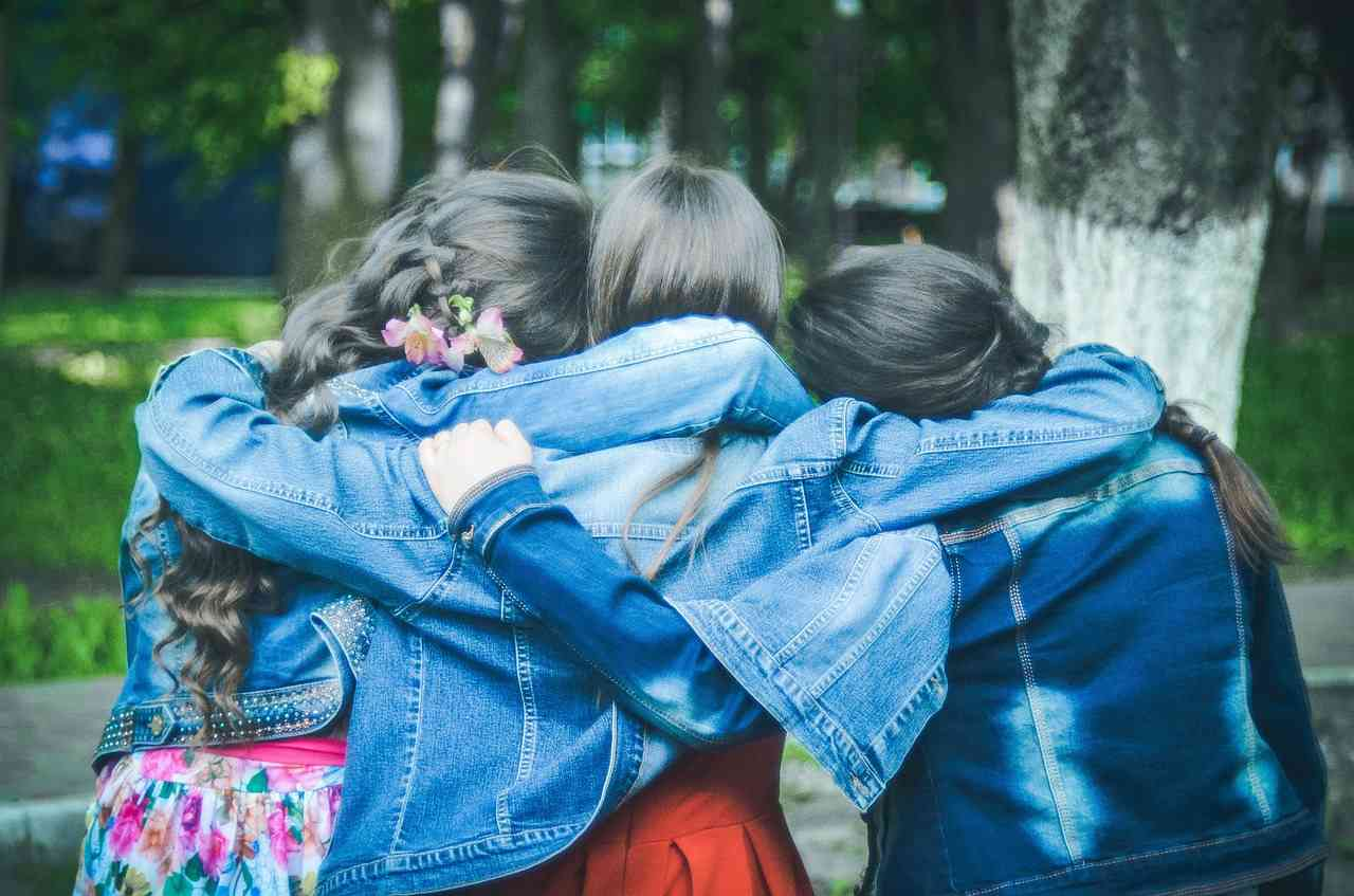 10KeyThings-Friends-get-together 10 ways to get over a Scarred Friendship