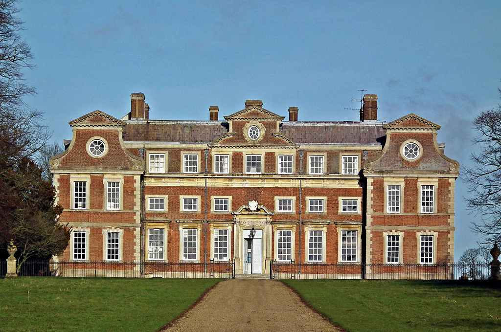 10KeyThings-Raynham-Hall-Norfolk-United-Kingdom 10 Haunted places you don't want to tresspass on