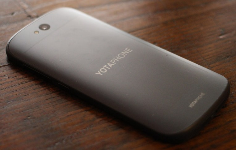 10KeyThings-YotaPhone2 Top 10 Smartphones to watch out for 2015