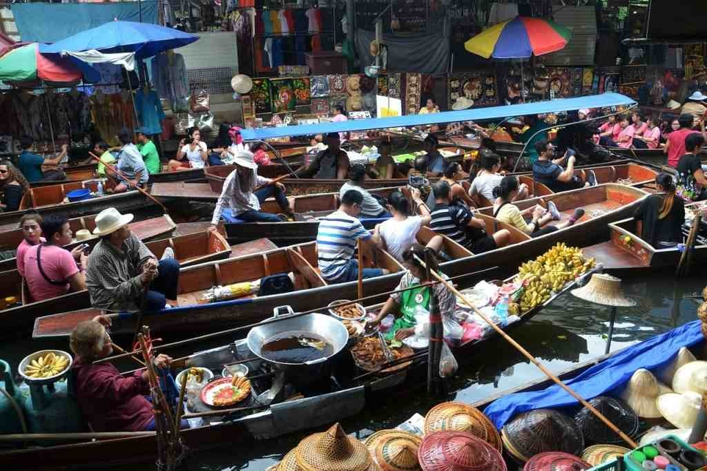 10-Key-Things-Bangkok-Floating-Market-1024x682 10 Key Things about Bangkok, Thailand