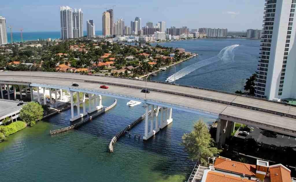 10-Key-Things-Miami-Beach-1024x630 10 Key Things about Miami, USA