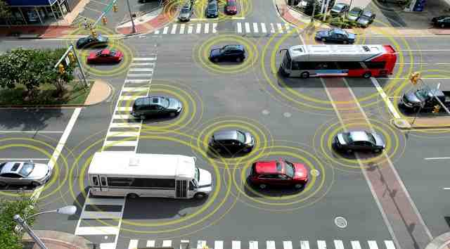 10KeyThings-Vehicle-to-Vehicle-Communication-2 10 Most Anticipated Technologies in 2016