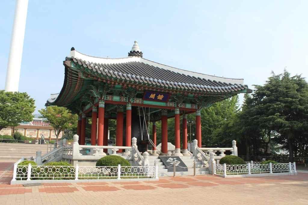 10-key-things-pusan-civil-servant-yongdusan-1024x682 10 Key Things about Busan, South Korea